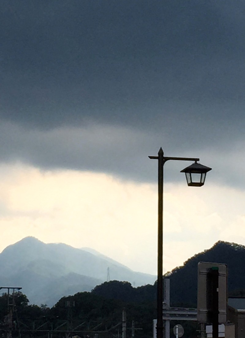 STREET LAMP & RAIN CLOUDS